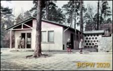 Szkoła 1000-lecia na Głębokiem, narożny pawilon mieszkalny, Szczecin