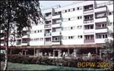 Budynek mieszkalny pięciokondygnacyjny z pawilonami na parterze przy ulicy Wita Stwosza, Wrocław