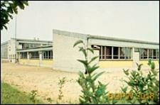Szkoła podstawowa, widok zewnętrzny, Wrocław-Krzyki