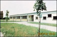Szkoła podstawowa, widok ogólny od frontu, Wrocław-Krzyki