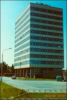 Żerań, biurowiec Polmo przy ulicy Jagiellońskiej, widok zewnętrzny, Warszawa-Praga Północ