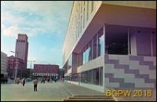 Śródmieście, Plac Powstańców Warszawy, Dom Chłopa, fragment elewacji, widok w kierunku ulicy Świętokrzyskiej, Warszawa