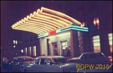 Śródmieście, Grand Hotel przy ulicy Kruczej 28, fasada, wejście, widok nocą, Warszawa
