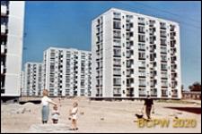 Osiedle mieszkaniowe Przymorze, wysoka zabudowa, budynki dziewięciokondygnacyjne, Gdańsk-Przymorze