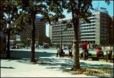 Śródmieście, Aleje Jerozolimskie róg Marszałkowskiej, Hotel Metropol, widok zewnętrzny od strony Rotundy PKO, Warszawa