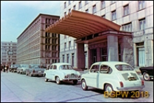 Śródmieście, Grand Hotel przy ulicy Kruczej 28, fasada, wejście, Warszawa