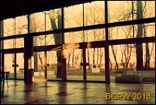 Pawilon wystawowy SARP przy ulicy Foksal, wnętrze z widokiem na ogród, Warszawa