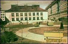 Przedszkole na osiedlu Latawiec, widok zewnętrzny, Warszawa
