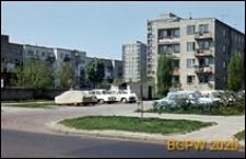 Osiedle Radna, widok ogólny zabudowy od strony parkingu, Warszawa
