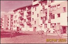 Osiedle mieszkaniowe WSM Rakowiec, ciąg czterokondygnacyjnych budynków mieszkalnych, Warszawa
