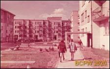 Osiedle mieszkaniowe Wierzbno, widok od strony podwórka, Warszawa