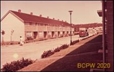 Ulica w osiedlu, budynki dwukondygnacyjne, Basildon, Anglia, Wielka Brytania