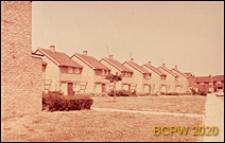 Fragment osiedla domków szeregowych jednopiętrowych, Basildon, Anglia, Wielka Brytania