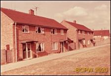 Budynki mieszkalne jednopiętrowe, widok zewnętrzny, Corby, Anglia, Wielka Brytania