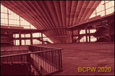 Centrum Nowych Technologii i Przemysłu CNIT, hala wystawowa, wnętrze, Paryż, Francja