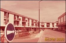 Osiedle mieszkaniowe Beauregard, domy mieszkalne dwupiętrowe, widok od strony ulicy, Paryż, Francja