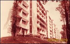 Osiedle mieszkaniowe Les Jonquilles, budynek mieszkalny siedmiokondygnacyjny, elewacja budynku, Paryż-Vaucresson, Francja
