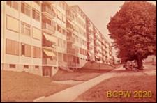 Osiedle mieszkaniowe, bloki mieszkalne pięciopiętrowe, Paryż-Marly-le-Roi, Francja