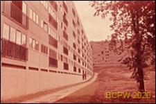 Osiedle mieszkaniowe, blok mieszkalny sześciopiętrowy, elewacja budynku, Paryż-Marly-le-Roi, Francja