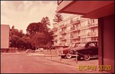 Osiedle mieszkaniowe, fragment zabudowy, Paryż-Marly-le-Roi, Francja