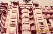 Budynek mieszkalny przy rue Franklin, górna część elewacji budynku, Paryż, Francja