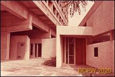 Miasteczko Uniwersyteckie, Dom Brazylijski, fragment elewacji gmachu głównego oraz wejście do klubu, Paryż, Francja