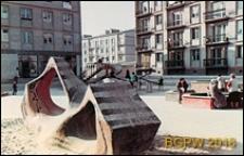 Bielany I, plac zabaw z przeplotnią przy ulicy Skalbmierskiej, Warszawa