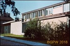 Nowe Miasto, ogrodzony dom jednorodzinny przy ulicy Przyrynek, Warszawa