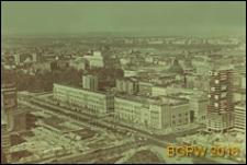 Widok panoramiczny zabudowy ulicy Marszałkowskiej w kierunku ulicy Królewskiej z Pałacu Kultury i Nauki (PKiN), Warszawa