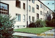 Osiedle Młociny WSM Mokotów, blok trzykondygnacyjny, Warszawa