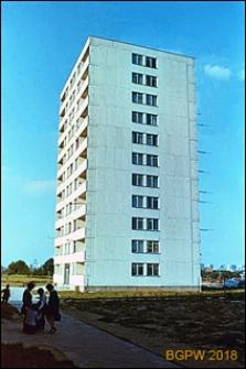 Osiedle mieszkaniowe Prototypów na Służewcu, jedenastokondygnacyjny budynek mieszkalny, Warszawa