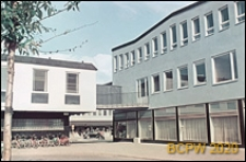 Centralna część dzielnicy, fragment zabudowy, Sztokholm-Vällingby, Szwecja