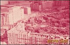 Osiedle mieszkaniowe w centrum miasta w trakcie budowy, widok na zabudowę z lotu ptaka, Moskwa, Rosja