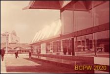 VI Kongres UIA, pawilon biurowy, fragment elewacji budynku, Londyn, Wielka Brytania