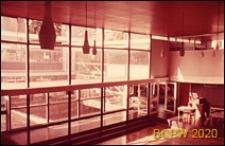 Szkoła pierwszego stopnia Bousfield Primary School, sala gimnastyczna, wnętrze, Londyn, Wielka Brytania
