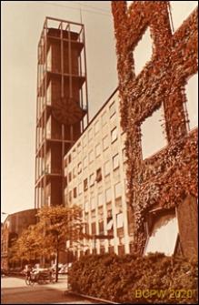 Ratusz, fragment elewacji budynku oraz wieża zegarowa, Aarhus, Dania