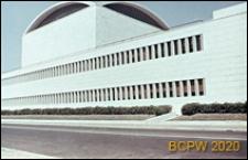 Dzielnica Esposizione Universale di Roma, Pałac Zjazdów i Kongresów, fragment elewacji bocznej budynku, Rzym, Włochy