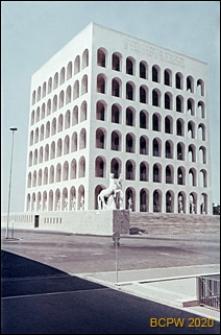 Dzielnica Esposizione Universale di Roma, Pałac Kultury Włoskiej, widok naroża budynku, Rzym, Włochy