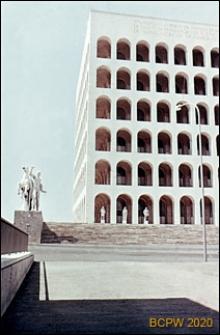 Dzielnica Esposizione Universale di Roma, Pałac Kultury Włoskiej, fragment elewacji frontowej, Rzym, Włochy
