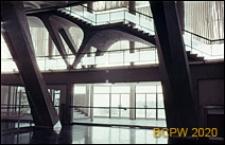 Dzielnica Esposizione Universale di Roma, Pałac Sportu, konstrukcja kuluarów, schody wewnętrzne Pałacu, Rzym, Włochy