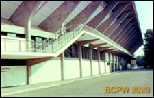 Stadion Flaminio, wejścia do pomieszczeń użytkowych pod widownią stadionu, Rzym, Włochy