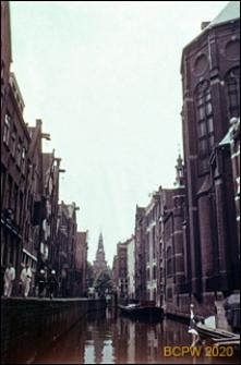 Kanał miejski w centrum miasta, widok ogólny, Amsterdam, Niderlandy
