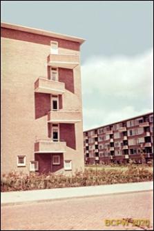 Osiedle mieszkaniowe w dzielnicy Slotervaart w zachodniej części miasta, pięciokondygnacyjny budynek mieszkalny, fragment elewacji bocznej, Amsterdam, Niderlandy