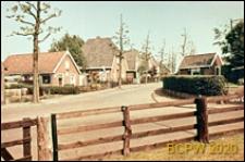 Domy rybackie, widok od strony ulicy, Huizen, Niderlandy