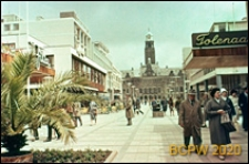 Sklepy przy ulicy Lijnbaan, widok w kierunku Ratusza, Rotterdam, Niderlandy
