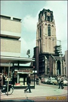 Stara wieża kościoła w trakcie renowacji, Rotterdam, Niderlandy