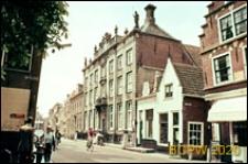 Fragment zabudowy ulicy miejskiej, Volendam, Niderlandy