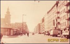 Ulica Świętojańska, nowa zabudowa ze sklepami, Gdynia