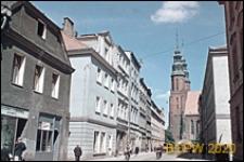 Ulica Katedralna ze sklepami na parterze budynków mieszkalnych, Opole