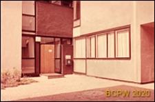 Dom Akademicki III, fragment elewacji z wejściem, Berlin, Niemcy